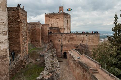 История дворцового комплекса Альгамбра Хенералифе в Гранаде