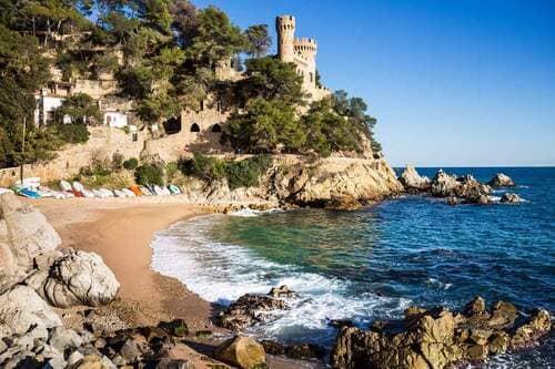 История курортное побережье Испании Коста Брава