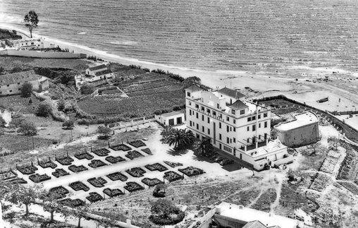Первое здание отеля Фуерте 1957