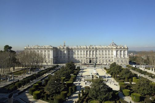 Восточный фасад Королевского дворца Мадрида