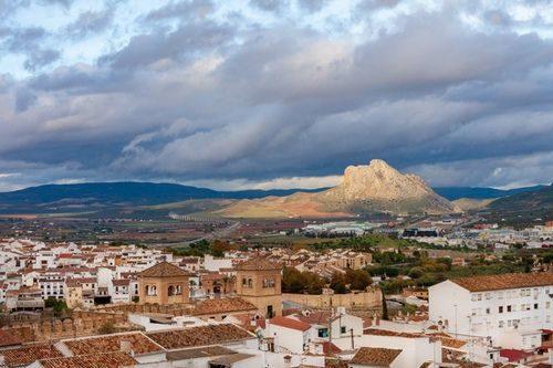 Скала влюбленных Антекера Испания