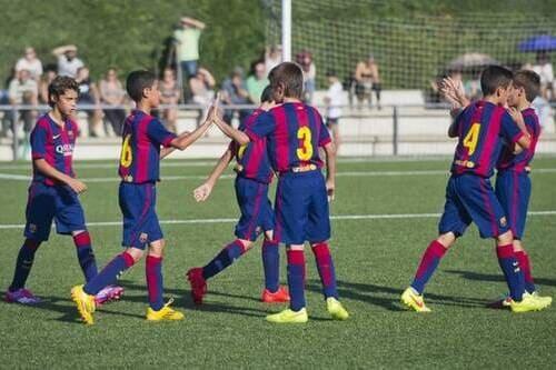 Детский футбольный  лагерь Барселона