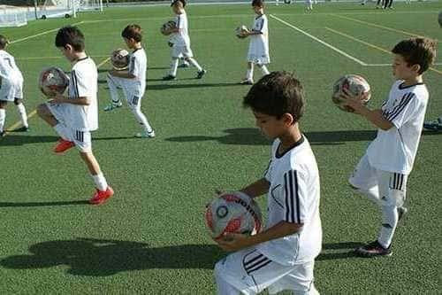 Детский футбольный  лагерь Реал Мадрид